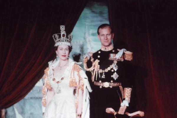 bague de fiançailles reine Elizabeth II