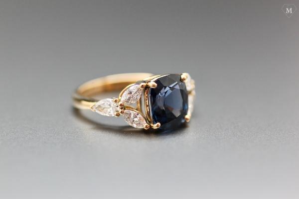 Bague de fiançailles spinelle et diamants